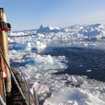 Backpacker Travel, visit Greenland, Disko Bay: Breaking through the icebergs and flo's in Ilulissat, Disko Bay