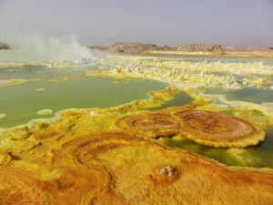 Travelling for Fun, Danakil Depression, Visit Ethiopia: Colours and steam on a lake