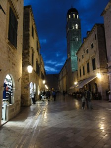 Travelling for Fun, visit Croatia, Dubrovnik: Placa (Stradun) in the old city