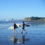 Travelling for fun, visit New Zealand North Island, Raglan: Heading out near Raglan to try and surf!