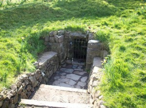 Travelling for fun, Hill of Tara, 5 things to do around Dublin, visit Ireland: An underground entrance at the Hill of Tara, Co. Meath