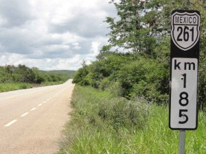 Travelling for fun, Mexico, Yucatan Peninsula - what to do in Cancun to Merida,, Valladolid: The open road of Mexico. Much of the roads in Yucatan are very straight, cutting straight through the jungle and also very quite. This changes when on the Mayan Riviera but is still not very busy.