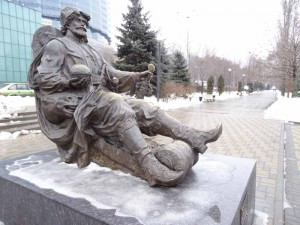 Tartar King, What to do in Rostov on Don, Russia, Travelling for Fun: On the embankment down by the Don River there are plenty of little statues to gaze at while strolling on the pier. The embankment gets very busy during the summer months.