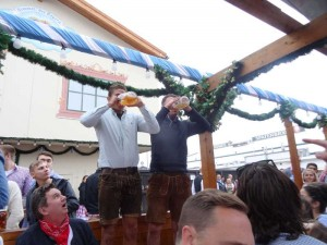 What do to in Oktoberfest, Munich - How to down beer!