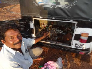 Rickshaw Run India - The mechanic and the hole in our piston
